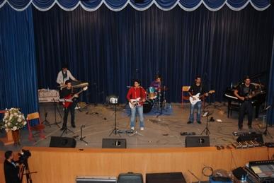 گروه-گیتار-الکتریک-استاد-کامیل-یغمایی