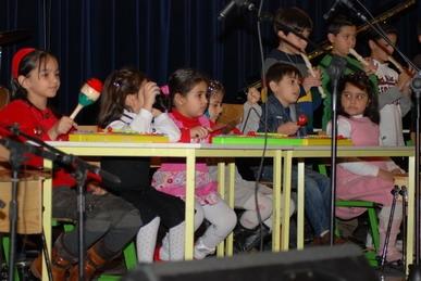 گروه-موسیقی-کودک-استاد-پروانه-دلیران